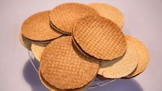 Stroopwafels - Rudolph's Bakery | 24Kitchen Sweet Cookies, No Bake Cookies, Yummy Cookies, Cupcake Cookies, Rudolfs Bakery, Dutch Bakery, Lollipop Sweets, Cookie Recipes, Snack Recipes