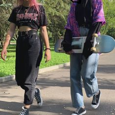 53 Ideas How to Achieve Vintage Street Style Fashion - The Best Streetwear Models - All Brands are Here Grunge Outfits, Edgy Outfits, Retro Outfits, Cute Outfits, Fashion Outfits, Fashion Ideas, Look Skater, Skater Girl Style, Vintage Street Fashion
