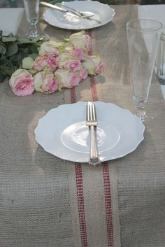 FRENCH COUNTRY COTTAGE: Burlap Table Runner