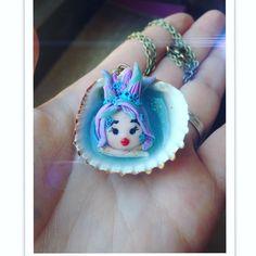 Melmon Protettrice dell'amore. #polymerclay #fimo #mermaid #handmade #sirena #conchiglia #shell #mermaidinashell
