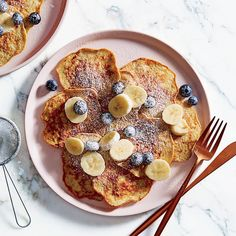 A healthier WW recipe for Banana lover's flourless pancakes ready in just Get the SmartPoints plus browse our other delicious recipes today! Banana Recipes, Ww Recipes, Great Recipes, Cooking Recipes, Favorite Recipes, Healthy Recipes, Delicious Recipes, Recipies, Plats Weight Watchers