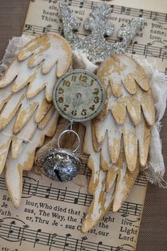 """Every time a bell rings an angel gets its wings.My daughter calles her daughter """"Baby Angel"""". Vintage Christmas, Christmas Holidays, Christmas Crafts, Christmas Decorations, Christmas Ornaments, Kids Crafts, Craft Projects, Arts And Crafts, Paper Crafts"""