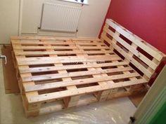 DIY Recycled Pallet Bed Frame