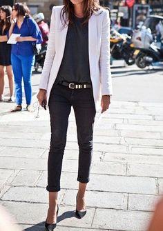 Black skinny ankle jeans * t-shirt, white blazer * pointy pumps * outfit * Emmanuelle Alt * street * vogue * style Looks Street Style, Looks Style, Mode Chic, Mode Style, Work Fashion, Fashion Looks, Paris Fashion, Style Fashion, Jeans Fashion
