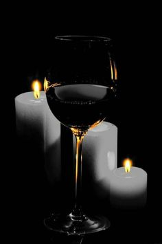*Wine by candlelight Special Magazine White Wine, Red Wine, Glass Photography, Vides, Wine Art, Foto Art, In Vino Veritas, Wine Time, Still Life