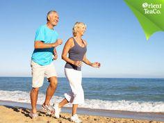#tenegroconlimon Uno de los mejores ejercicios para mantener en buen estado tu salud, es la caminata. LA VIDA LIGERA. Caminar de 30 minutos a 1 hora al día, son suficientes para mejorar tu circulación, disminuir niveles de estrés y evitar futuros problemas con tu sistema cardiovascular. Disfruta de una buena caminata, acompañándola con el delicioso y ligero sabor de Orient Tea negro con limón, enriquecido con vitaminas A, C, D y E. Pruébalo y siente el mejor balance.
