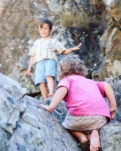 Rock climbing fun at Penha Garcia. Post on the blog #familytravel #rockclimbingkids
