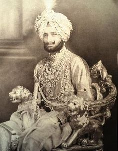 Maharaja of Patilia, Yadavindra Singh, in a suit of diamonds. Generations of gems and jewels, photograph from 1941.