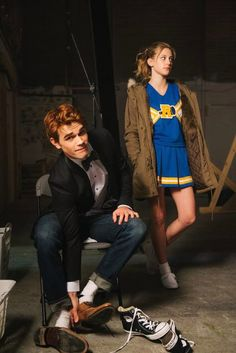 Riverdale ❤️ Archie Andrews and Betty Cooper (KJ Apa and Lili Reinhart) I love this picture