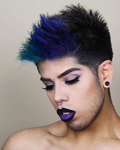 Not only is an incredibly talented makeupartist, he is also an extremely Just like his ever changing looks, he changes up his hair regularly. Manic Panic, Pretty Hairstyles, Ultra Violet, Hair Beauty, Make Up, Lipstick, Awesome Hair, Turquoise, Glam Makeup