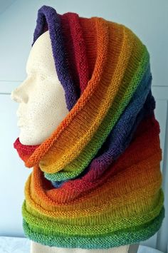 Bilderesultat for granny ripple stitch kauni yarn Loom Knitting, Knitting Patterns, Grunge Goth, Rainbow Fashion, Baby Scarf, Knitted Shawls, Knitted Hat, Cowl Scarf, Cowls
