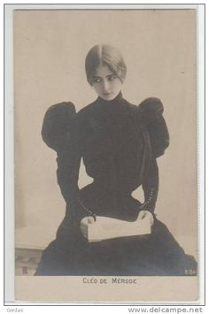 Cleo de Merode in beautiful dress, late century Vintage Pictures, Old Pictures, Vintage Images, Old Photos, Vintage Photos Women, Victorian Photography, Old Photography, Vintage Beauty, Vintage Dior