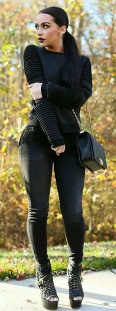 All Black / The Fashion Bybel