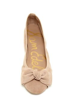 Emma Ballet Flats// love the bow//