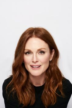 Karlovy Vary Film Festival presents Julianne Moore and Bart Freundlich Hair Inspo, Hair Inspiration, Blonde Actresses, Black Actresses, Young Actresses, Female Actresses, Style Outfits, Julianne Moore, Colorful Hair