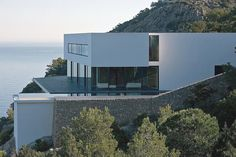 Contemporay design and clifftop views – AIBS House, Ibiza