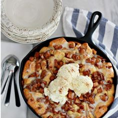 Apple Fritter Skillet Bake is #ontheblog & I promise it's delicious & easy! It's the perfect recipe to kick off Fall & it will make your home smell amazing! This #recipe along with 18 other beautiful & delicious apple recipes are listed on the blog post. It's an amazing tour started by my friend @ellaclaireblog & you are going to love it! #tastesoftheseason
