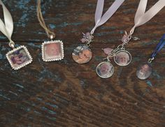 Remember a loved one on your special day with our photo memory charms. Our charms work as great bridal bouquet charms, and are easily attachable with ribbon. Buttonhole Flowers, Photo Bouquet, Double Photo, Bouquet Charms, Photo Memories, Rose Gold Plates, Heart Charm, Cufflinks, Bronze