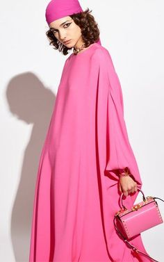 Pink Fashion, Runway Fashion, Womens Fashion, Fashion Trends, Valentino Couture, Capsule Outfits, African Design, Pink Outfits, Couture Dresses