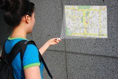 Proiettore di mappe portatile con GPS incorporato.