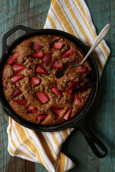 Brown Butter Banana Skillet Cake with Strawberries and Pecans | 30 Delicious Things To Cook In April
