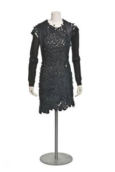 Dress designed by Helmut Lang, 2003. Courtesy Les Arts Décoratifs, all rights reserved.