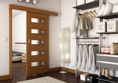 Więcej miejsca w małym mieszkaniu: Drzwi przesuwane zamiast tradycyjnych oszczędzą sporo miejsca we wnętrzu. od ładnydom.pl