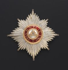 Star of a Knight (Grand Cross) of the Order of the Bath. British Crown Jewels, Royal Jewels, Military Decorations, Military Orders, Grand Cross, Chivalry, Knights Templar, Napoleonic Wars, Royal Navy