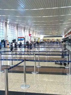 Aeropuerto Internacional José Joaquín de Olmedo (GYE) en Guayaquil, Guayas Salinas Ecuador, Airports, Snapchat, Hate, Traveling, Places, Viajes, Pink, International Airport