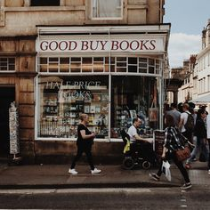 A Bibliophile's Escape in Bath - Amy's Bookshelf Beige Aesthetic, Book Aesthetic, Visit Bath, I Dont Care Anymore, I Love The World, Cool Things To Buy, Good Things, Books To Buy, Book Nerd
