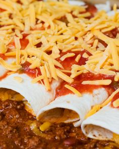 Easy Skinny Beef Enchiladas!  Sounds delicious;)