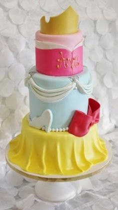 Princess cake by Frosted Cakery Pretty Cakes, Beautiful Cakes, Amazing Cakes, Cupcakes, Cupcake Cakes, Princesa Disney, Fancy Cakes, Crazy Cakes, Disney Cakes