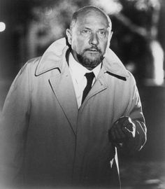 Samuel Loomis (Donald Pleasence) (Halloween, 1989 and Halloween Iii, Halloween Series, Halloween Horror, Halloween Night, Best Horror Movies, Horror Films, Scary Movies, Halloween Resurrection, Donald Pleasence