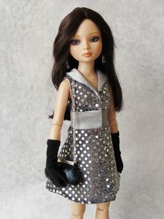 Ellowyne Wilde Tonner Doll - I have this fabric and can make this dress.  A cute look.