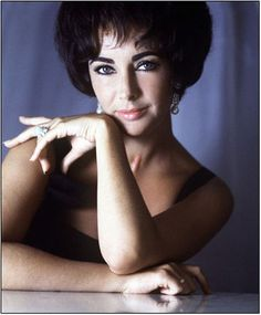 Elizabeth Taylor was diagnosed with a genetic mutation at the FOXC2 gene at birth known as distichiasis, resulting in a double row of eyelashes around her eyes because eyelashes grow within her eyelids