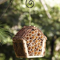 Mason Bee House: Mason bees don't sting, and they make great pollinators for… Bug Hotel, Jardin Decor, Mason Bees, Bee House, Bamboo Crafts, Bee Friendly, Save The Bees, Bee Keeping, Bird Houses