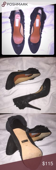 High Heels Pumps Stilettos Black Badgley Mischka High Heels Pumps Stilettos Black Canvas Leather Ruffled Size 9M Badgley Mischka Shoes Heels