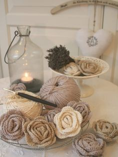 crochet flowers.  oh when i have the time...