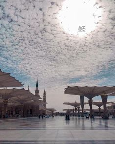 NIM MOHAMMAD ♥️ Madina, Islamic Art, Iphone Wallpaper, To Go, Mosques, Celestial, World, Places, Outdoor