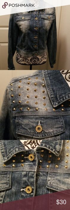 Tinseltown studded jean jacket In great condition. Tinseltown Jackets & Coats Jean Jackets