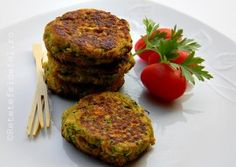 CHIFTELUTE DE DOVLECEI SI MORCOVI Yummy Food, Yummy Recipes, Salmon Burgers, Cooking, Ethnic Recipes, Kitchen, Tasty Food Recipes, Delicious Food, Brewing