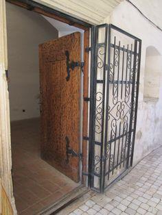 Travel to Făgăraș Fortress, Romania - Thursday Doors through History Wooden Fort, Secret Passage, Medieval Books, Religious Books, 12th Century, Wrought Iron, Romania, Thursday, Culture