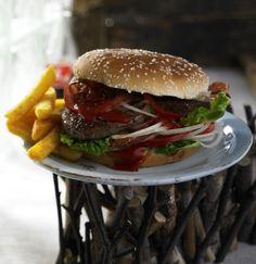 Unser beliebtes Rezept für Burger de luxe und mehr als 55.000 weitere kostenlose Rezepte auf LECKER.de.