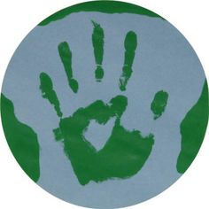 Handprint Earth Craft - we used this as part of our Solar System unit Toddler Art, Toddler Crafts, Preschool Crafts, Crafts For Kids, Preschool Ideas, Planet Crafts, World Crafts, Earth Craft, Earth Day Crafts