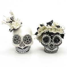 Wedding Cake Toppers Black and White Wedding Dia De Los Muertos Ceramic Sugar Skulls 00150  www.goodiemud.com
