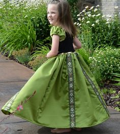 Anna's Coronation Dress -- Tutorial