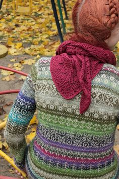 Green always catches my eye, but if am also loving the combination of fair idle sweater with a lace shawlette