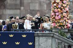 Reines & Princesses: Mariage du prince Carl Philip & Sofia Hellqvist - Arrivée des mariés au palais royal