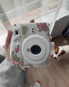 Painted instax Polaroid camera Acrylics acrylic paint Polaroid painting painted insta x instax Polaroid Instax Mini, Fujifilm Instax Mini, Polaroid Camera Case, Cute Camera, Camera Art, Camera Decor, Vintage Polaroid Camera, Photography Collage, Photography Aesthetic
