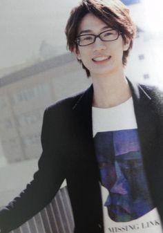 takuya eguchi - Google Search Hiroshi Kamiya, Nishinoya, Voice Actor, Fujoshi, Asian Boys, Pretty People, Psychedelic, The Voice, Fangirl